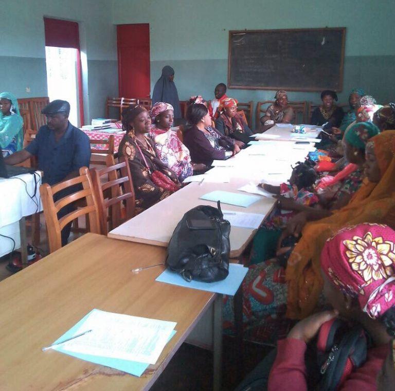 Gestion des intrants VIH/ SIDA: 25 COMMIS de pharmacie de plusieurs formations sanitaires de Foumban en formation.