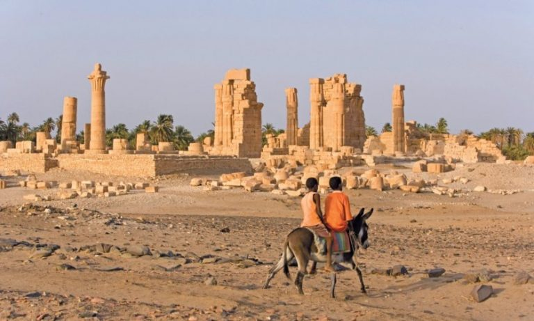Tourisme: Le Soudan et le Cameroun présentent fière allure.