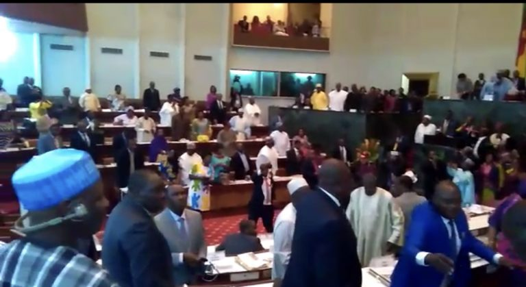 POLITIQUE: Les députés camerounais ont-ils déjà marre du système?