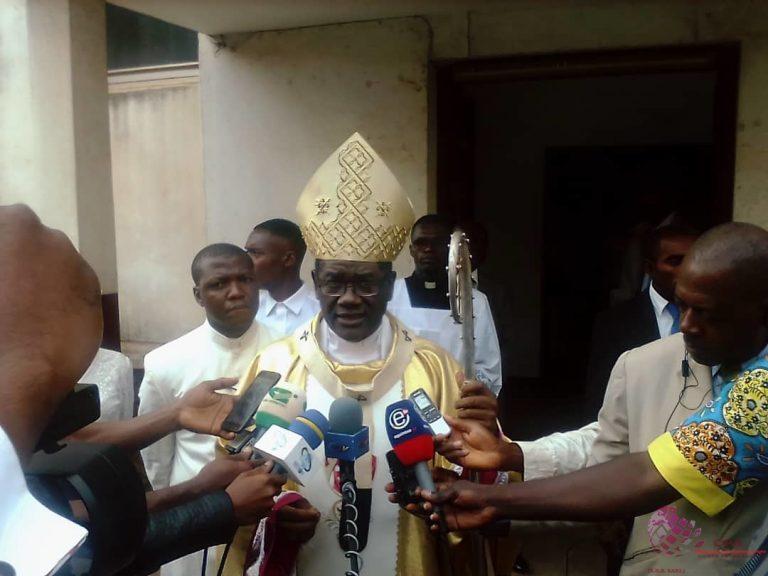 Fête de la nativité 2019: Mgr Jean Mbarga invite les camerounais à la tolérance et réitère le message de paix et de cohésion sociale.