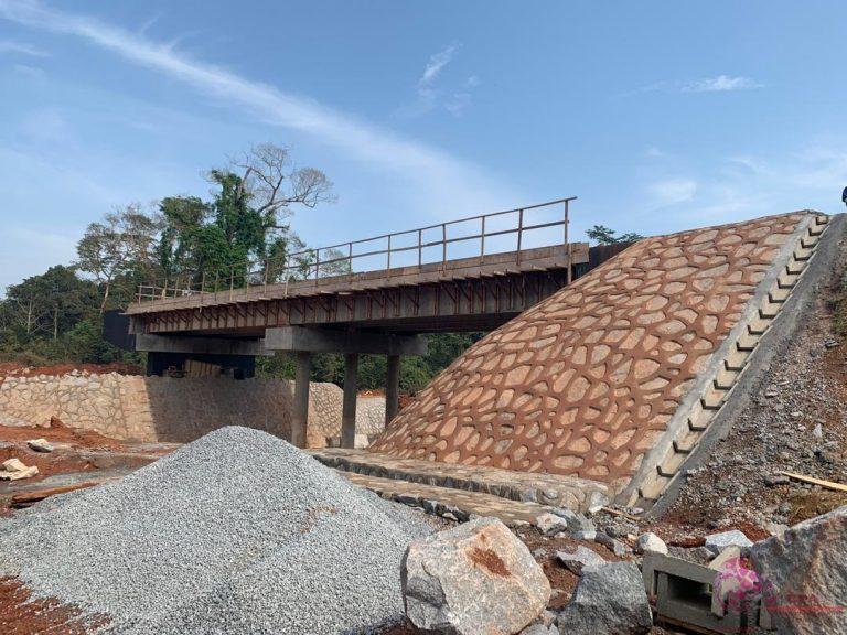 Cameroun : Route Mengong-Sangmelima: l'entreprise contrainte de travailler en saut de puce.